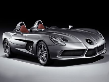 0812_01z+2009_mercedes-benz_sLR_stirling_moss+front_three_quarters_view.jpg