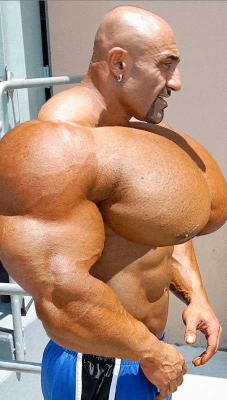 bodybuilder-wtf_20150527_1015499894.jpg