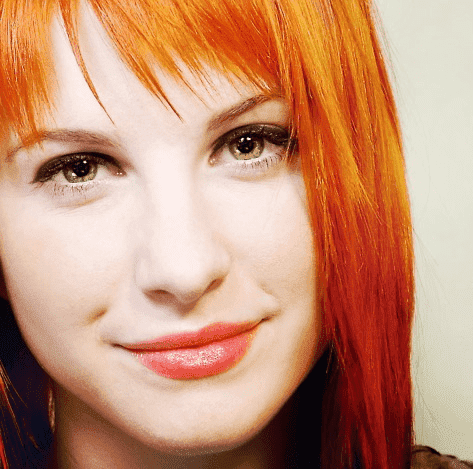 Hayley-hayley-williams-26266300-473-469.png