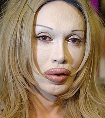 pete_burns-thumb-213x240-541.jpg